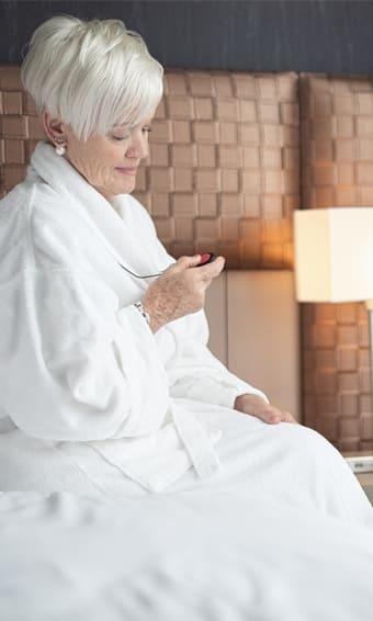 Surveillance pour personnes âgées et tranquillité d'esprit