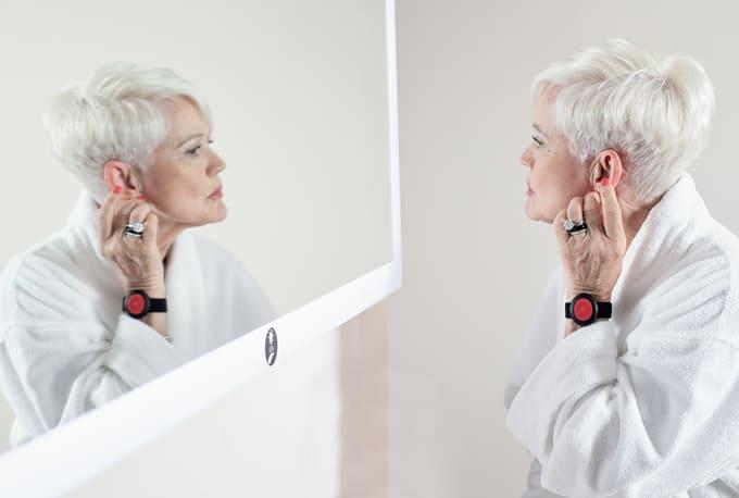 La surveillance pour personnes âgées