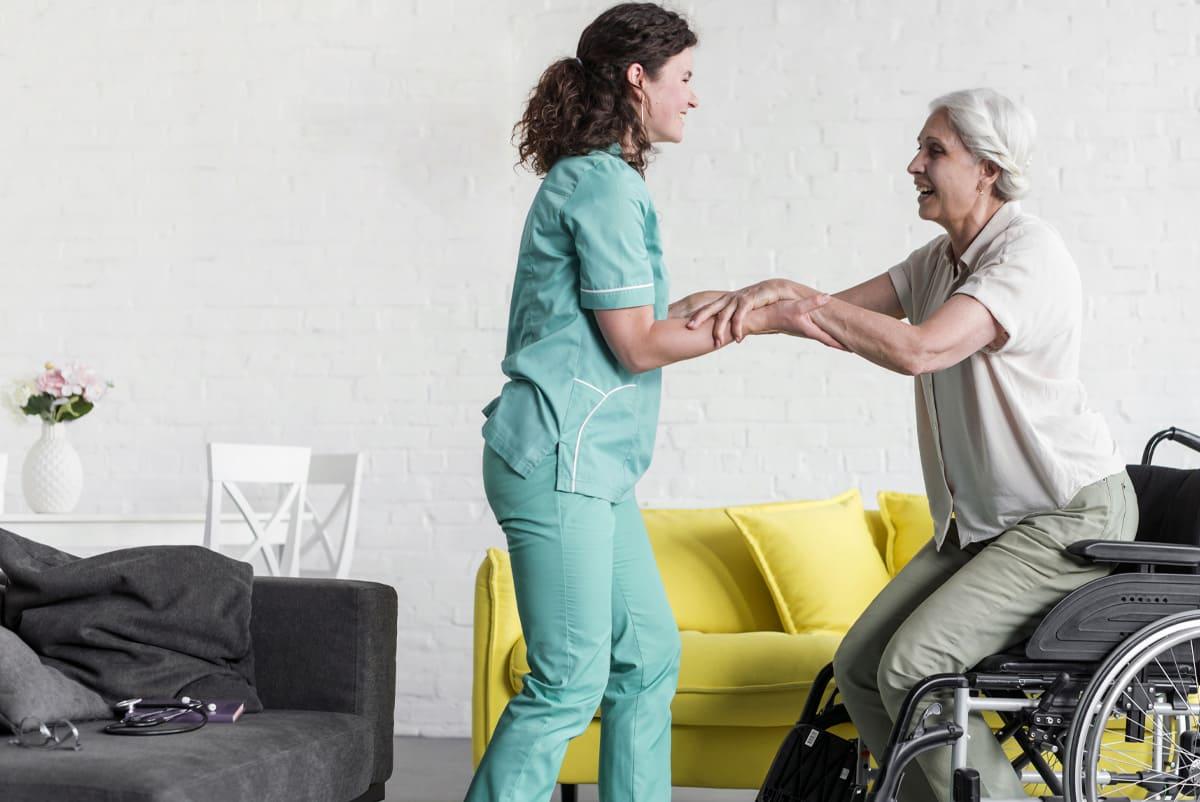 Comment faire face à la perte d'autonomie d'un senior ?