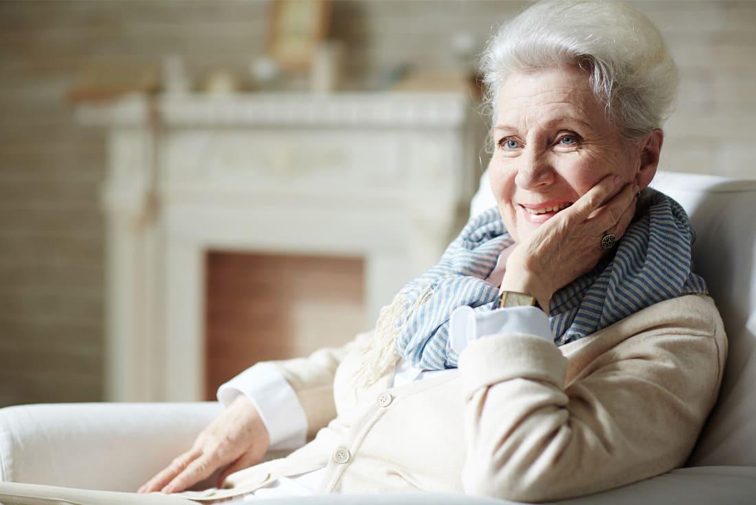 Choisir des vêtements pratiques pour personnes âgées